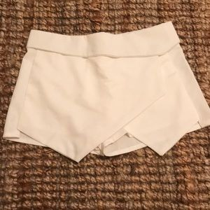 Zara white envelope shorts